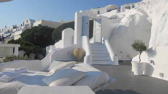 Katikies Hotel:                   white white