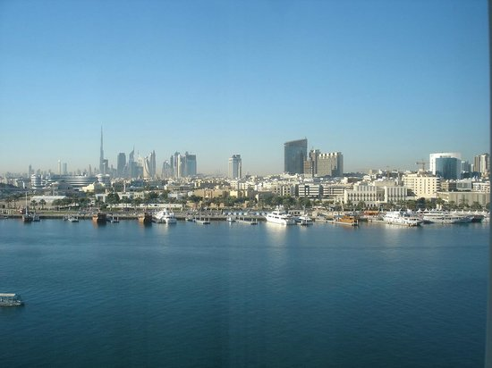 Sheraton Dubai Creek Hotel & Towers : View of the new city centre from the room.
