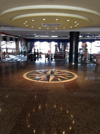Hotel Entremares:                   reception