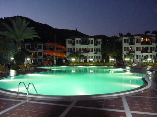 Alize Hotel: Pool.