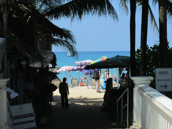 The Club Hotel Phuket :                   Enter to kamal beach