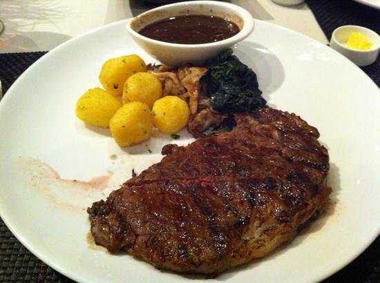 Abacus Restaurant, Garden & Bar :                   Steak at Abacus