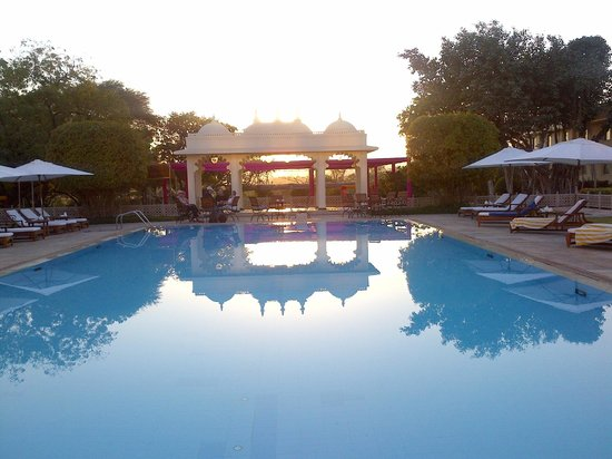 Trident Udaipur: Swimming pool