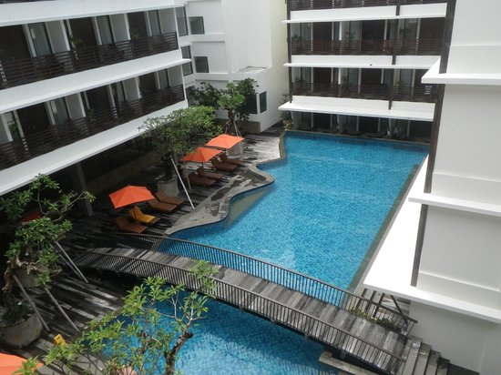 Sun Island Hotel & Spa Kuta: View from room 420