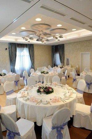 Hotel Lapad: Dining