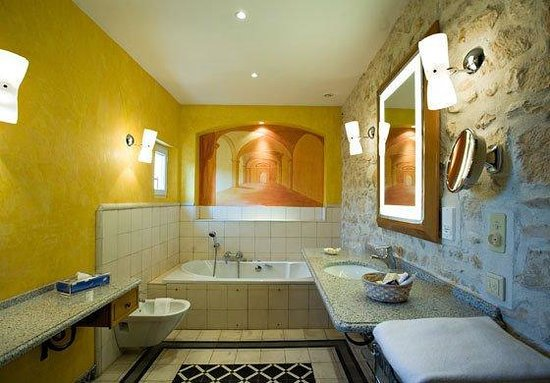 Auberge de Noves: SUPERIORBathroom