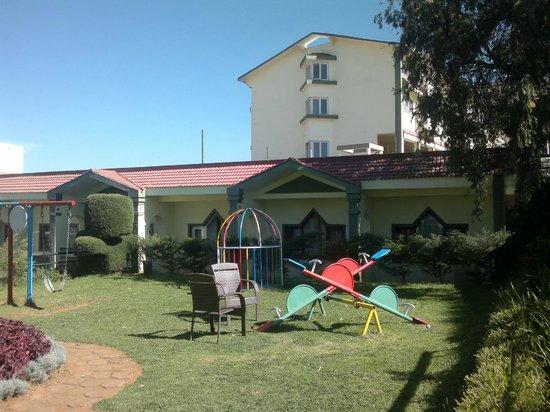 Sterling Ooty Elk Hill:                   Play area