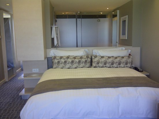 Radisson Blu Hotel, Port Elizabeth: nice bed! very comfy!