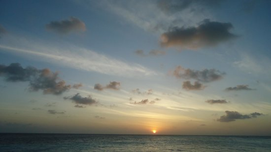 Gangehi Island Resort:                   tramonto al gangehi