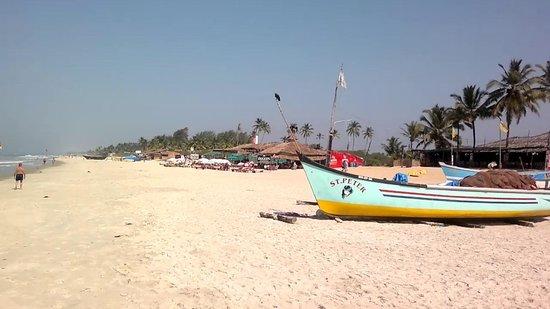 Benaulim Beach:                   calm and relaxing