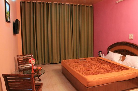 Nature Bloom Hotel & Resort:                   Bed room