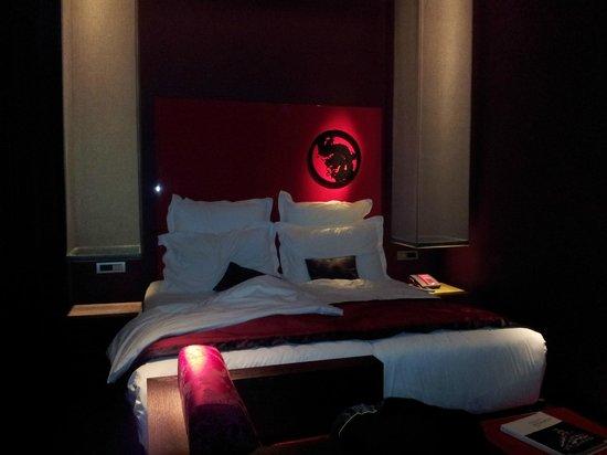 Buddha-Bar Hotel Budapest Klotild Palace:                   Kingsize Bett