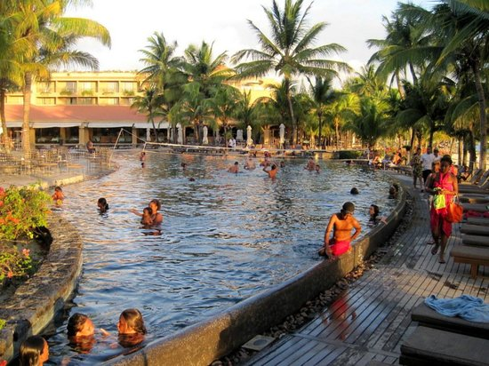 Mauricia Beachcomber Resort & Spa: Pool