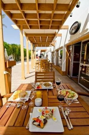 Oonas Dive Club Hotel: Restaurant view