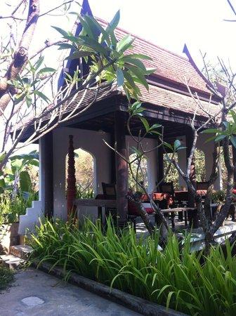 Gudi Boutique Hotel:                   outdoor area