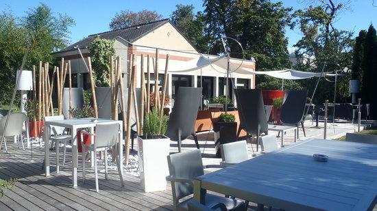 L'Assiette Champenoise: la terrasse