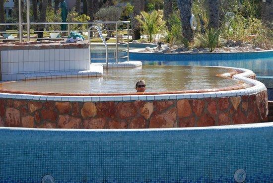 super piscine d 39 eau chaude naturelle photo de hasdrubal prestige thalassa spa houmt souk. Black Bedroom Furniture Sets. Home Design Ideas