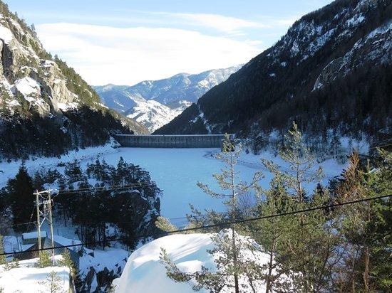 Neige et Merveilles : Le lac des mesces