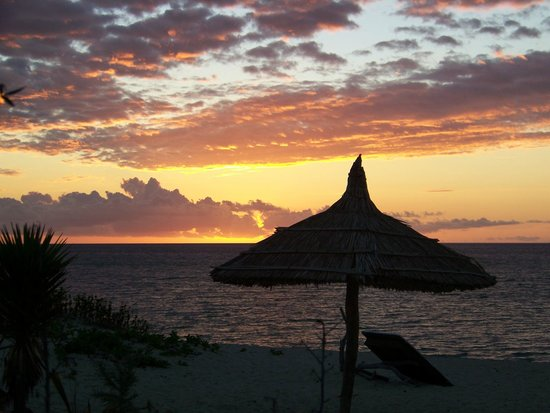 Atlantis Madagascar:                   Coucher de soleil Anakao