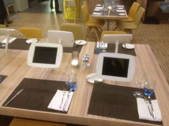 Novotel London Blackfriars:                   table avec ipad