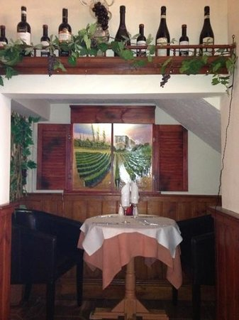 Al Trullo:                   romantic table