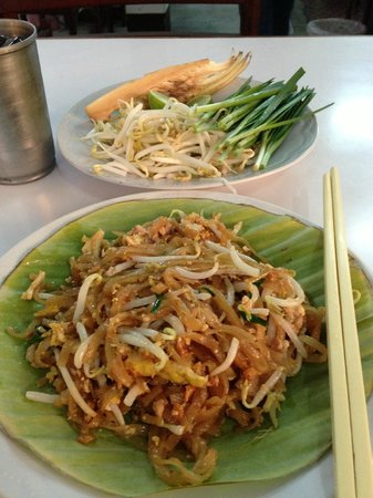 Pad Thai Hah Lot