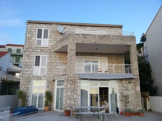 Villa Bozena: villa.bozena@hotmail.com
