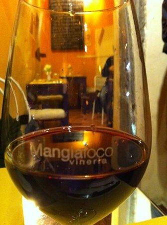 Mangiafoco Cafe:                   vino
