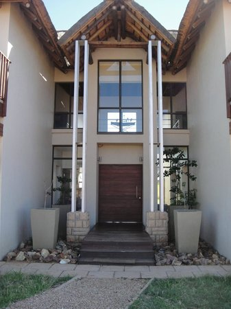 Protea Hotel by Marriott Zebula Lodge:                   Front of site 60