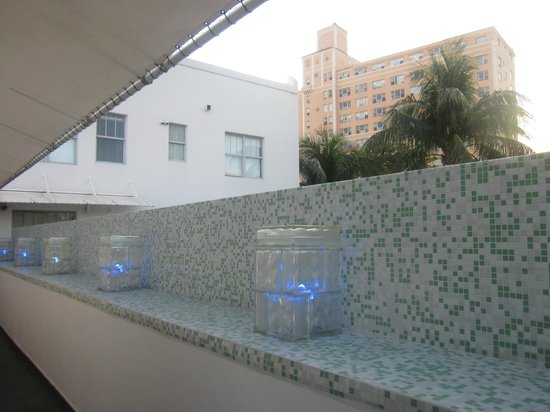 Clinton Hotel South Beach: Walkway to lofts