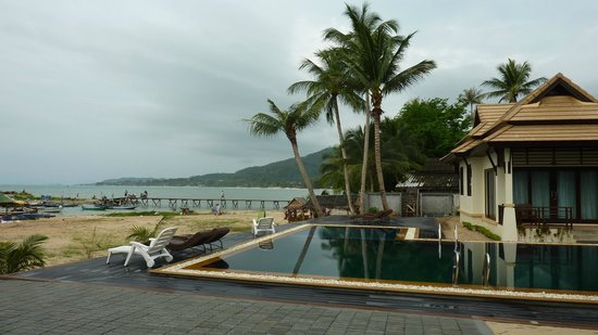 Poolsawat Villa: Pool by Lamai Beach