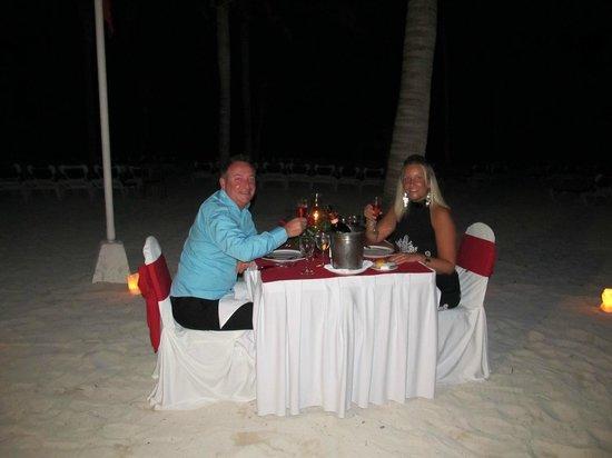 Barcelo Maya Caribe:                   Dinner on the beach