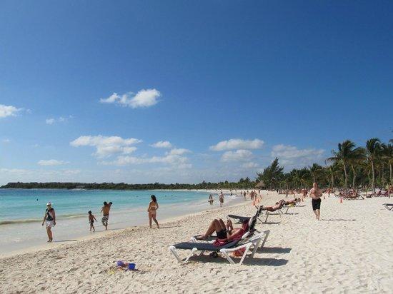 Barcelo Maya Caribe:                   The beach