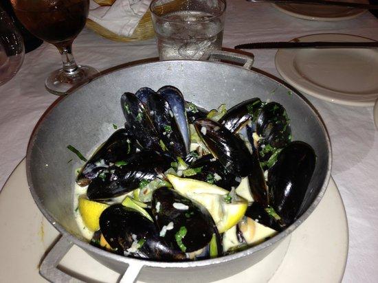 LaTapa:                   mussels