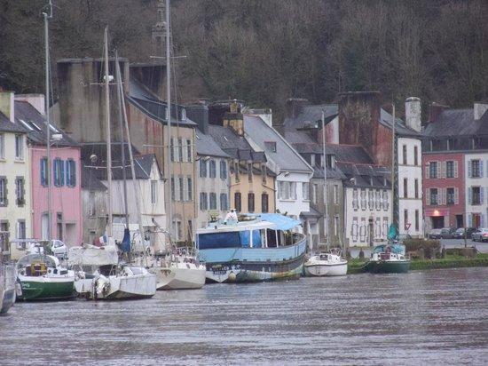 Old Salt House : port Launay.