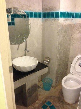 Dozy House:                   Private Washroom