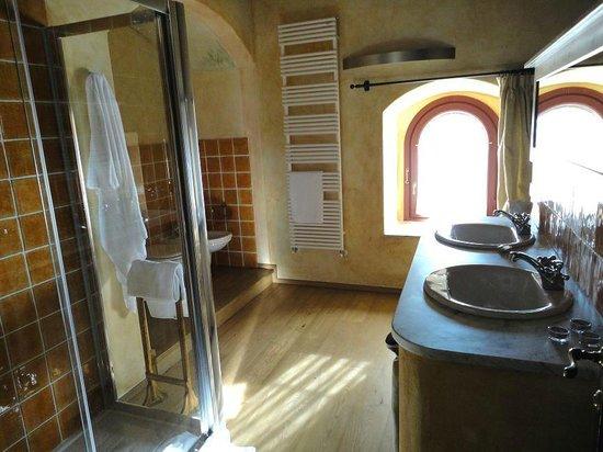 Vasca Da Bagno Alla Francese : Vasca da bagno idromassaggio con porta iris novellini
