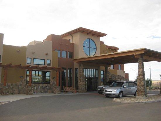 Moenkopi Legacy Inn & Suites:                   Moenkopi hotel