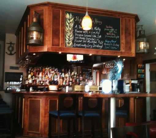 The Port: Bar