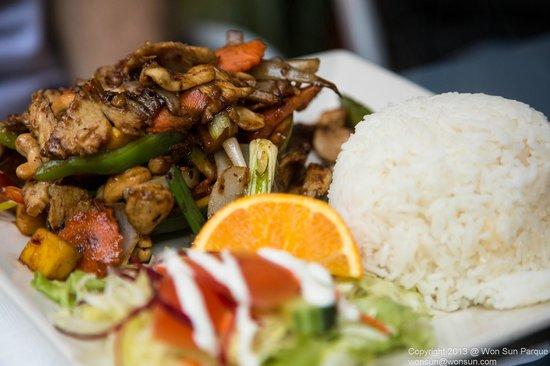 Bangkok Cuisine:                                                                                           Mange