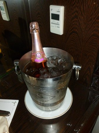 Fortaleza do Guincho: French champagne (romantic package)