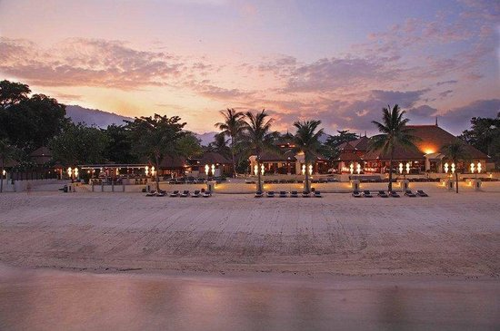 Pavilion Samui Villas & Resort: Beach evening