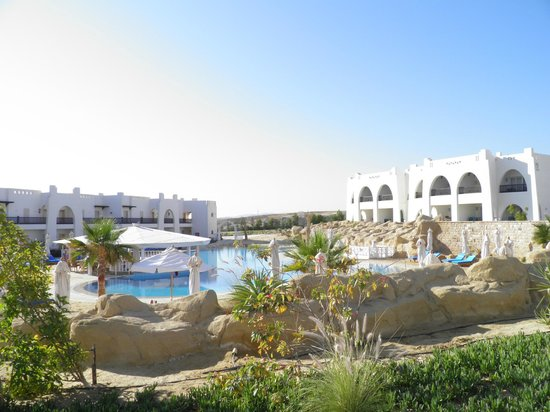 Hilton Marsa Alam Nubian Resort: Hilton Nubian Resort - heated pool