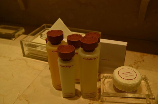 Hotel Lungarno: Salvatore Ferragamo amenities