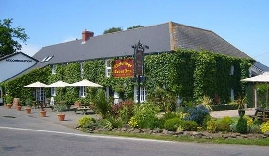 ‪Thelbridge Cross Inn‬