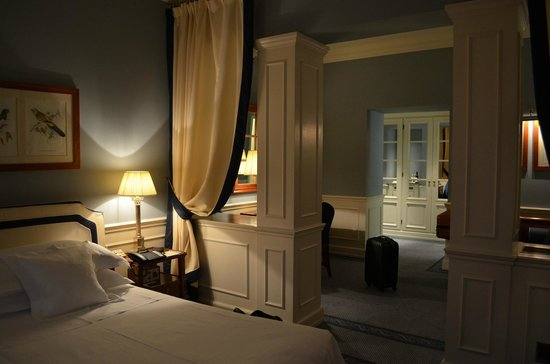 Hotel Lungarno: Spacious room - Suite Arno
