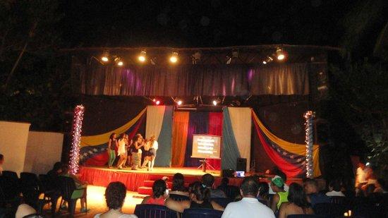 Isla Caribe Beach Hotel :                   noche de karaoke