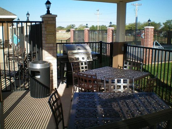 Candlewood Suites Abilene : BBQ pit available for Candlewood Abilene guests in the Gazebo.