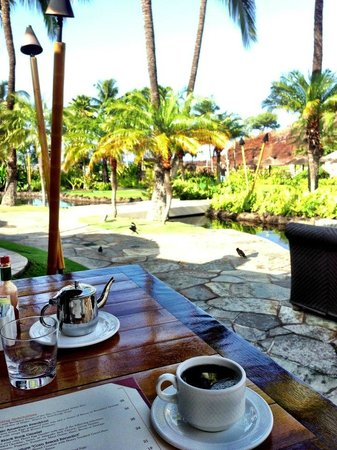 Sheraton Maui Resort & Spa: Breakfast Outdoors at Hotel Restaurant