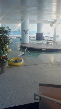 Paradise Resort: heated indoor lazy river